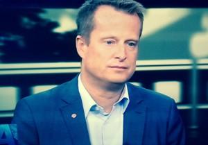 Närmast efter Åsa Romson, Sveriges mest utpräglade livskvalitetsstympare. Anders Ygeman informerades av Bengt Jonasson om den brottsliga vägsaltningen vid möte på Gröna Linjen 2012-06-18 kl 08:20.