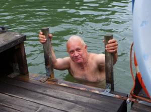 Nu inleds den sköna sommartid med återkommande härliga plums i kanalen från egen badflotte.